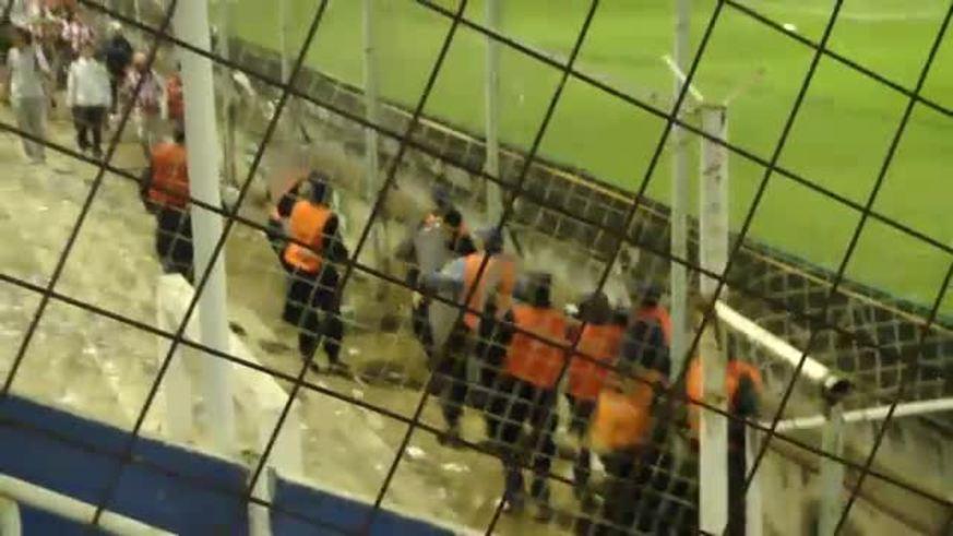 Así actuó la Policía de Santa Fe... (YouTube)
