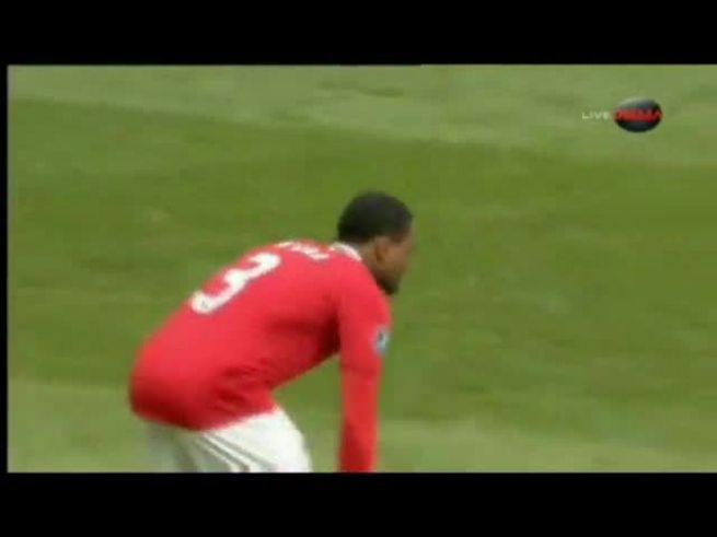 Mirá los dos goles de Rooney y el descuento de Suárez.