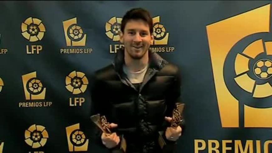Messi habló con los premios de la LFP en la mano.