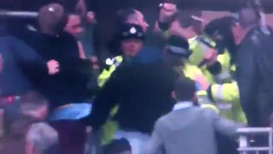 Incidentes en el partido del Wigan y el Millwall