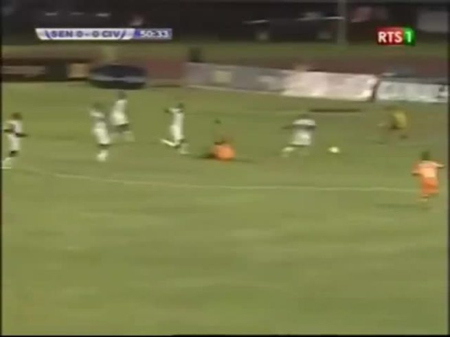 Mirá los tremendos incidentes en la tribuna de Senegal.
