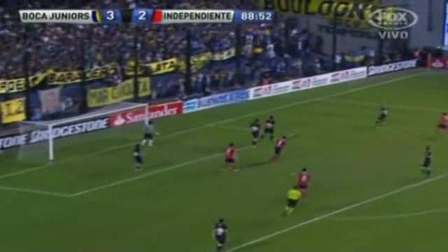 Farías, de penal, puso el 3 a 3 para Independiente