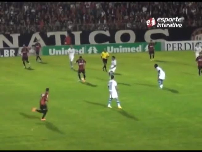 El gol de Barcos a Atlético Paranaense