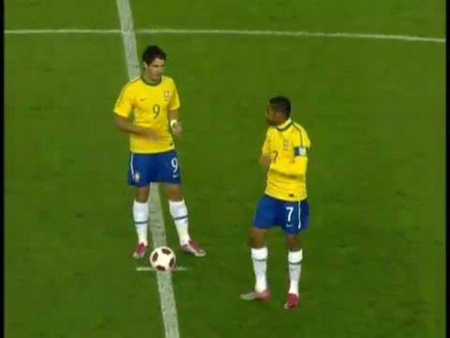 Mirá los goles de Brasil a Ucrania. (YouTube)
