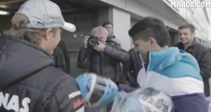 Mirá a Agüero con Nico Rosberg. (Marca)