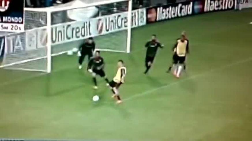 Mirá el golazo de Ibrahimovic en el entrenamiento en el Camp Nou.