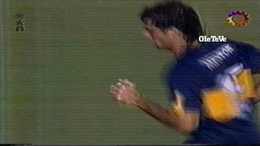 El gol de Palermo a Ustari de atrás de mitad de cancha
