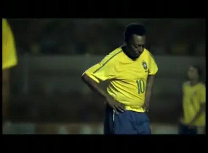 Pelé y su particular documental donde le marca un gol a la Argentina.