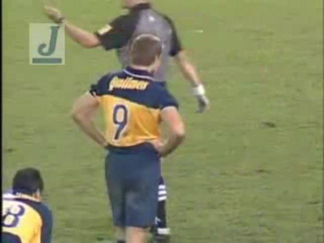 Palermo la inventó en el 99, contra Platense. A dos pies.