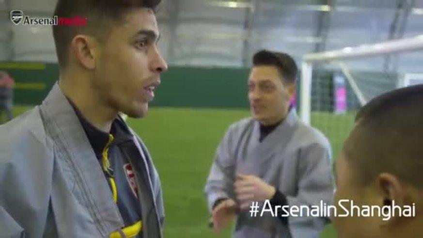 ¡Los jugadores del Arsenal también practican Kung Fu!