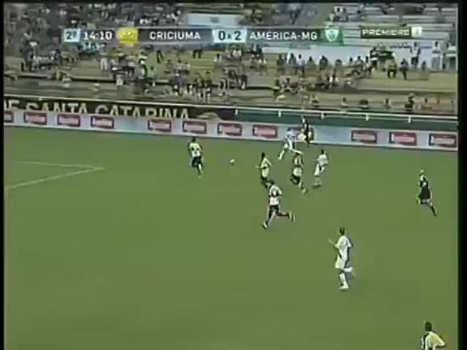 Mirá el gol en contra del arquero del Criciuma, de la B de Brasil.