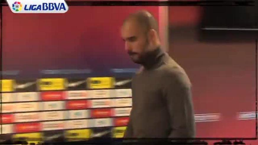 Mirá a Guardiola defendiendo a Messi.