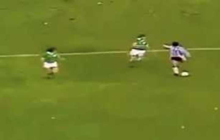 Grito de Maradona contra Irlanda