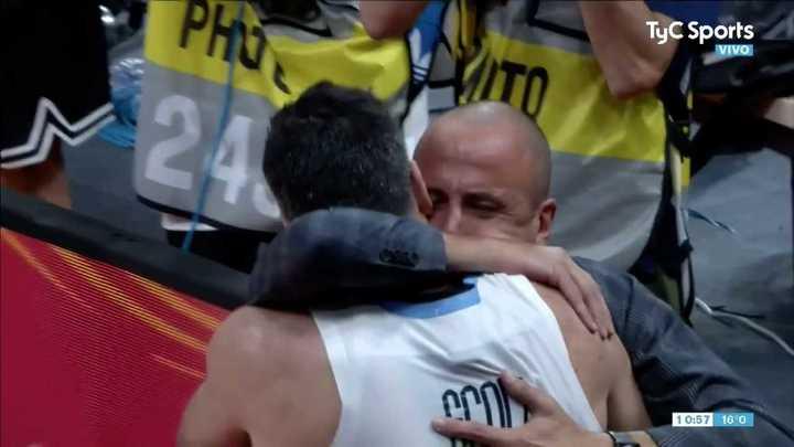 El emocionante abrazo entre Scola y Ginóbili