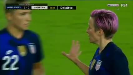 Megan Rapinoe convirtió el 1-0 para Estados Unidos.