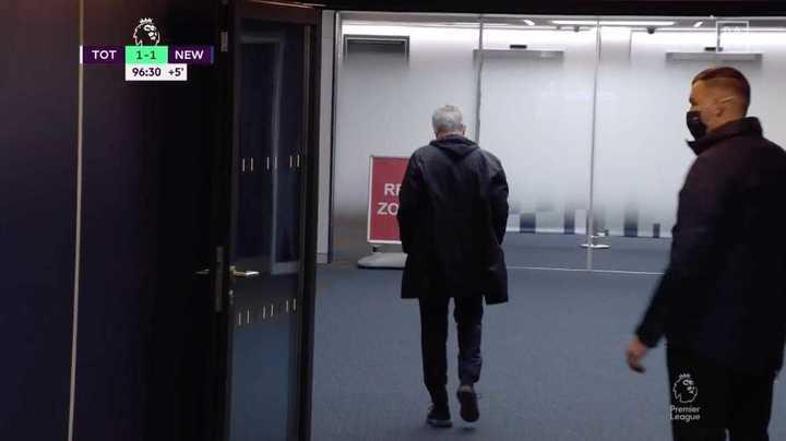 Caliente, Mourinho no vio el final del partido
