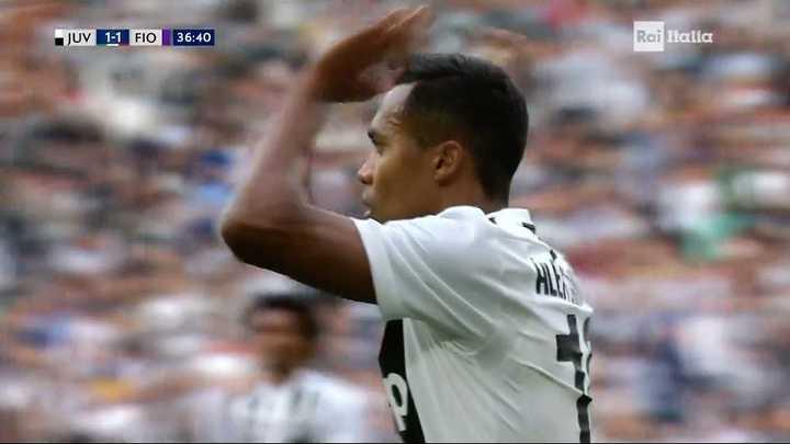 Alex Sandro empató el partido