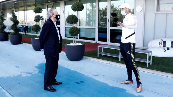 La visita de Florentino Pérez a la práctica del Real Madrid