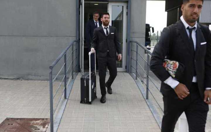 Messi llegó de traje a Alemania