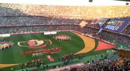 Silbidos y aplausos para el himno español: la grieta en el fútbol