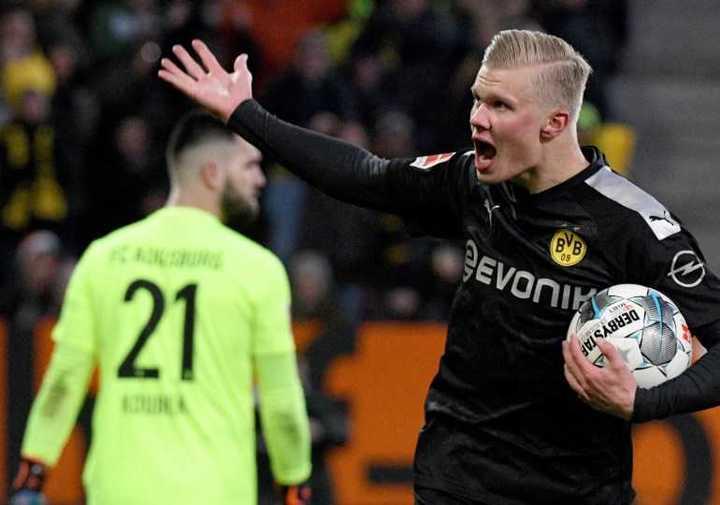 Haaland debutó con tres goles en la Bundesliga
