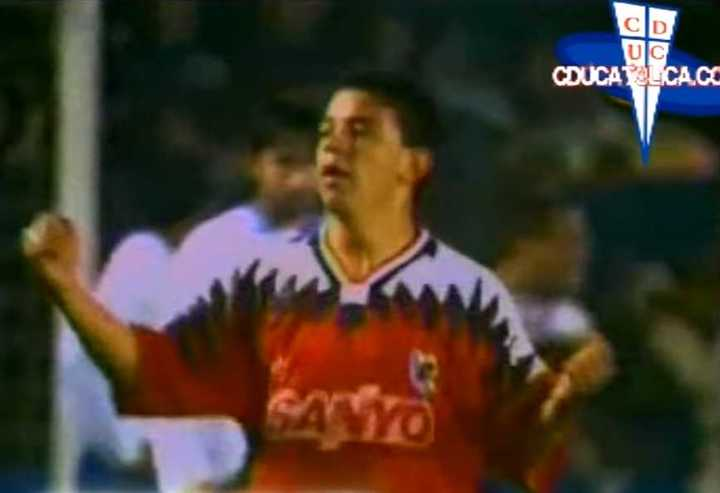 Gol de Gallardo a Universidad Católica en la Libertadores 1995.