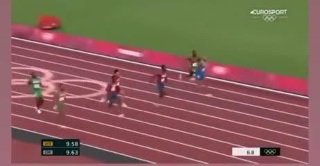 Jacobs y su triunfo en 100 metros