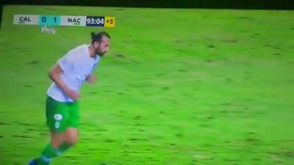 Hernan Barcos quiso picar el penal pero fue a las manos del arquero. Deportivo Cali 0 - 1 Atlético Nacional