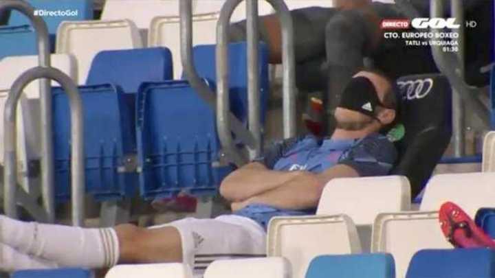 La siesta de Bale en pleno partido