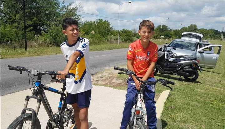 Hinchas de Boca en bici