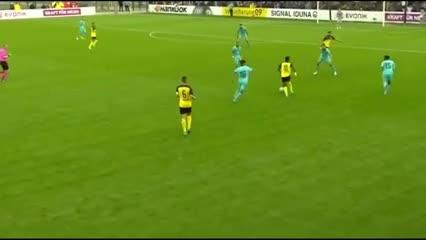 Así juega Youssoufa Moukoko, el camerunés de 15 años del Borussia Dortmund