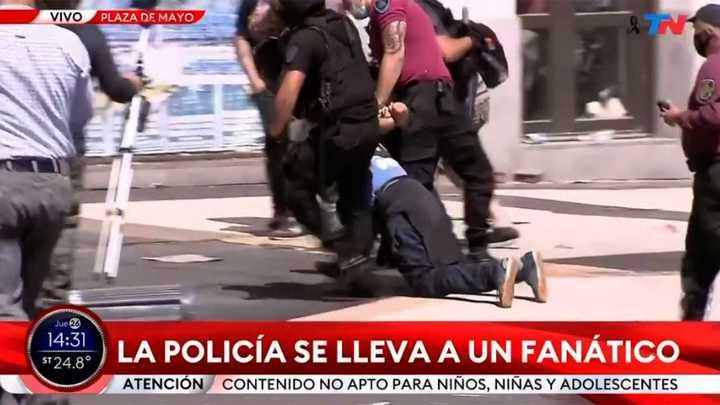 Incidentes en la despedida al cuerpo de Diego Maradona