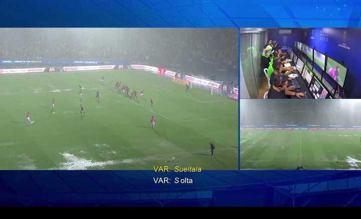 El VAR en Independiente del Valle-Colón