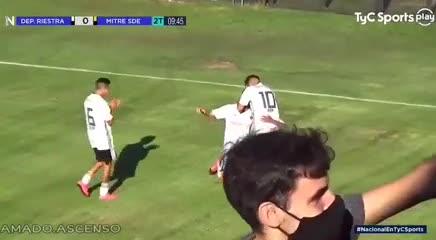 Segundo gol de Riestra