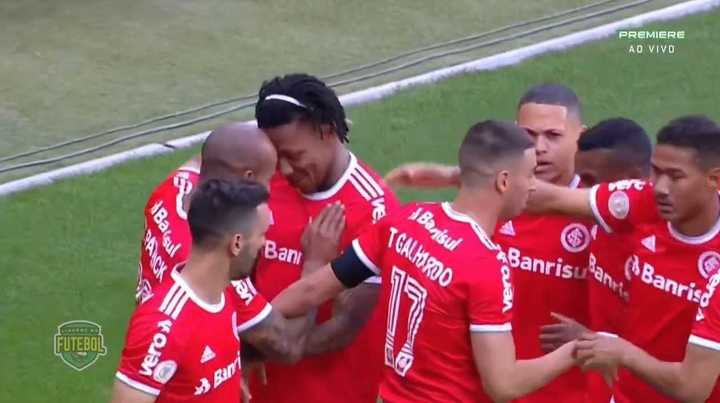 Los goles del 2-2 entre Inter de Porto Alegre y Flamengo