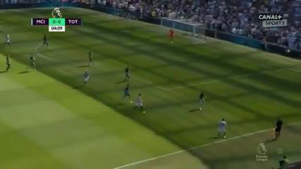 Cabezazo de Agüero, gol de Foden para el 1-0