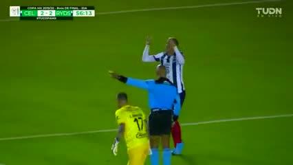 Funes Mori, de penal, anotó para el Monterrey ante Celaya