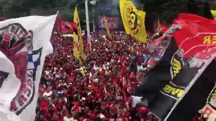 Los hinchas del Flamengo a pura fiesta