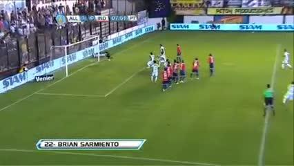 Brian Sarmiento y su gol a Independiente