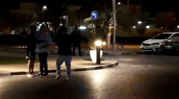 Gallardo volviendo caminado del entrenamiento, en Al Ain