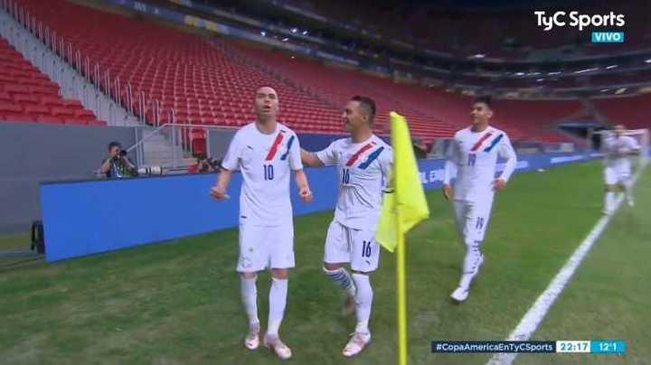 Almirón marcó el 2 a 0 de Paraguay