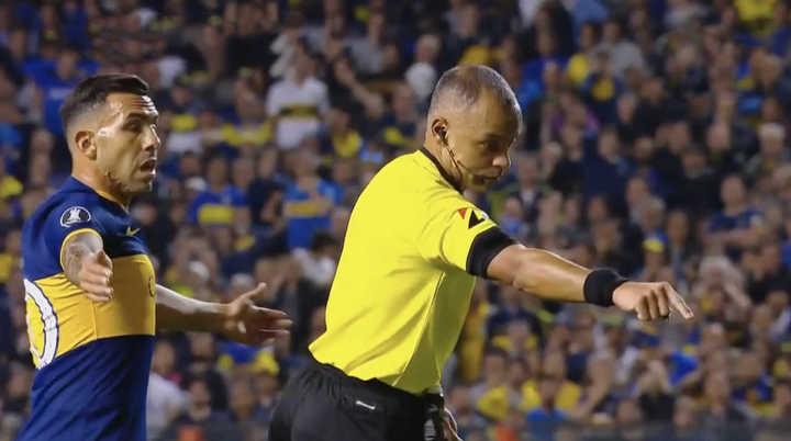 La furia de Daniel Mollo luego del gol anulado a Boca