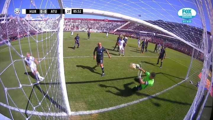 Lucchetti y un atajadón que evitó el gol de Damonte