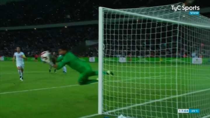 Campaña se quedó con el tiro libre de Messi