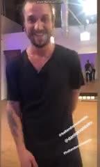 Osvaldo en el ensayo del Bailando de Italia