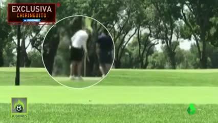 Bale apareció jugando al golf