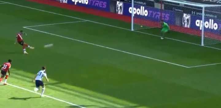 De penal, Ings maquilló el resultado para el Southampton
