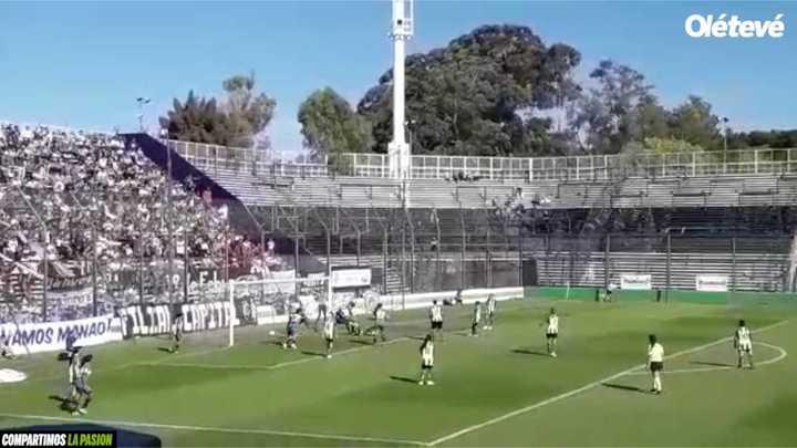 Gol de Lucía Zarza para el Lobo en la presentación de su nueva camiseta