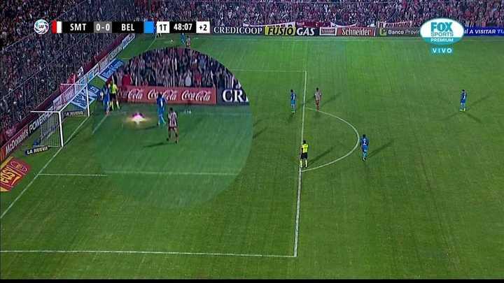 Le tiraron un proyectil a los jugadores de Belgrano