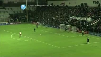 Torrico contra Deportivo Morón